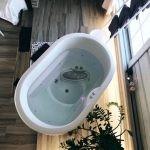Vasca in vetroresina e legno ofuro