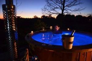 Esperienza tinozza vasca calda hot tubs con stufa a legna